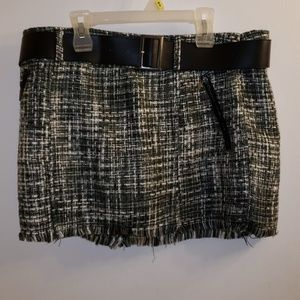 Guess Frayed Mini Skirt Size 31